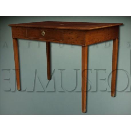 Mesa de caoba rubia