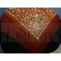 Mantón de color pimentón bordado en crudo