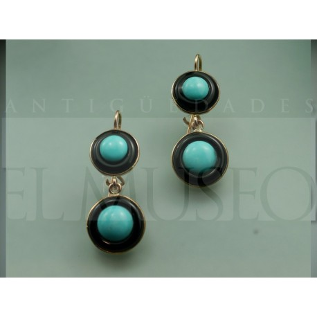 Earring of onyx and turquoise