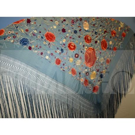 Mantón azul bordado en colores