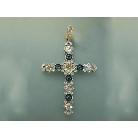 Cruz de diamantes y zafiros